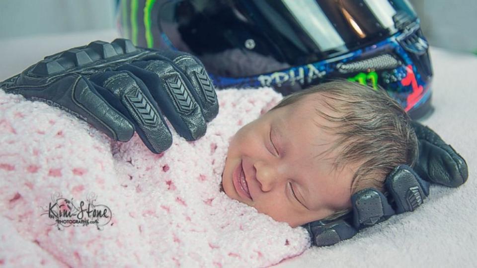 HT_baby_dads_belongings_as_160615_16x9_992